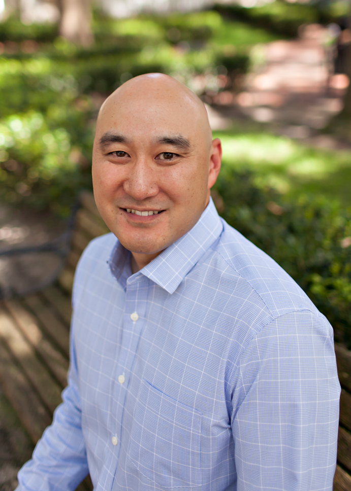Peter Min is a Realtor at Pepine Realty in Gainesville, FL who speaks Korean.