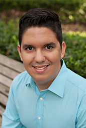 David Santiago is a Realtor at Pepine Realty in Gainesville, Florida who speaks spanish.
